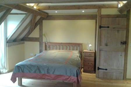Oak Framed New Forest Room with Amazing Views - Hus