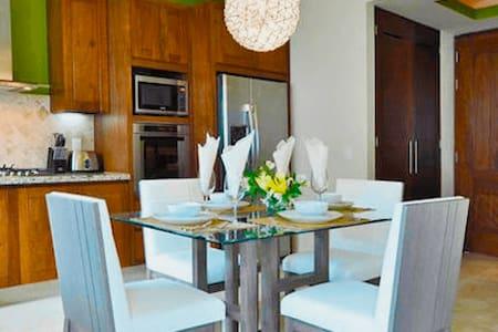 V177 Luxury Condominiums - Unit 204 2 min to Beach - Puerto Vallarta