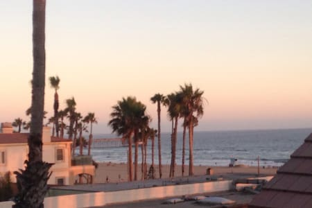 Ocean Front, Beach Home, remodeled ! - Huntington Beach