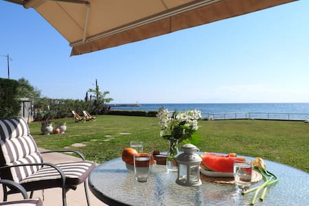3 BD, Villa, Waterfront in Flogita Moudania - Flogita
