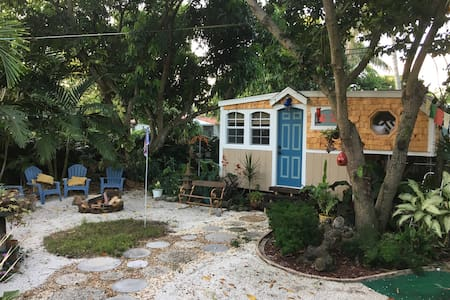 Tiny house in Miami Shores - Dům