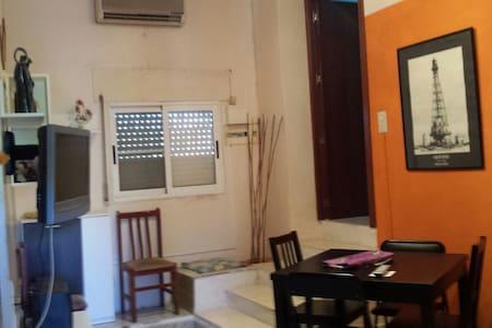 Casa unifamiliar 2 plantas en Deltebre - Rumah