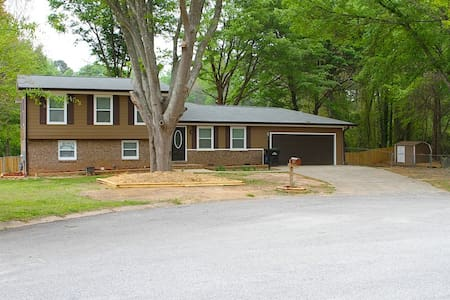 3 Bdrm/3 Bath in Fayetteville, Ga.(Near Pinewood). - Ház