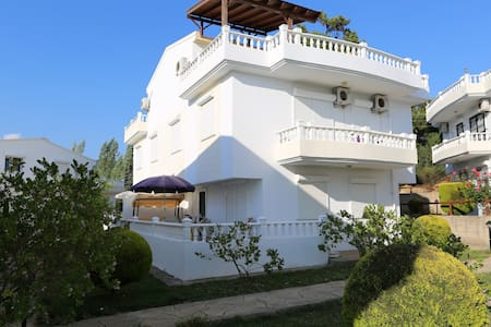 Villa i 3-etager i Özdere - Panorama udsigt - Menderes