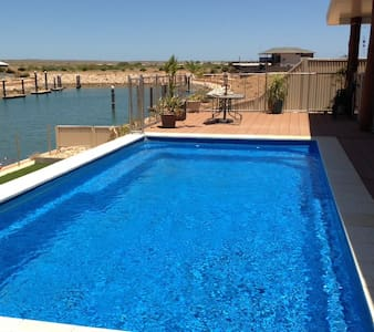 Fern - Luxury House on the Marina with Pool - Exmouth