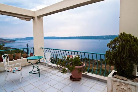 Armonia, Breathtaking Sea View Apt- Απτερα Chania - Apartamento