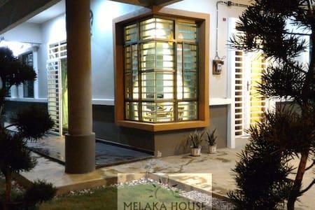 Melaka House Homestay - Melaka Tengah