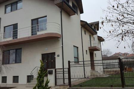 Neues, modernes Haus, umweltbewusst - Techirghiol