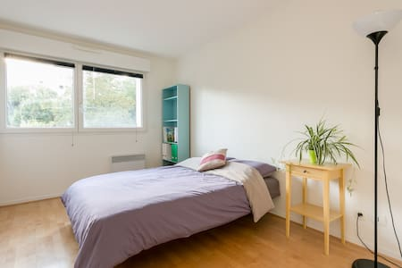 Room in a bright, modern home(70m2) - Flat