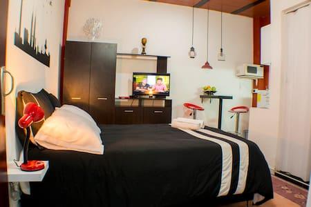 ¡NEW! Private Apto ROOM & BATH & KITCHEN near all. - Bogotá - Apartment
