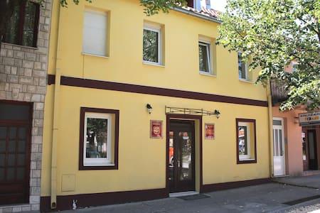 """Galerija"" apartments - Cetinje - Hus"