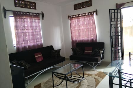 Private Secure 2BR Home near Kampala City Centre - Casa