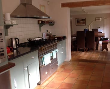 The Flemish House,Beautiful,Homely,truly lovely - Bed & Breakfast