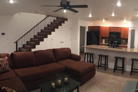 2 Bed, 2 Bath Casita w/ Full Kitchen, Washer/Dryer - Ház