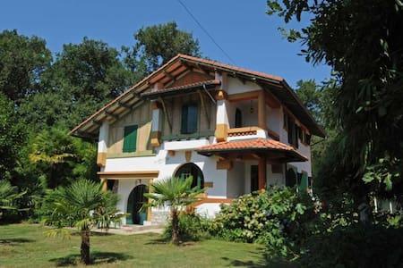 alleinstehende Villa am Waldrand - Magescq