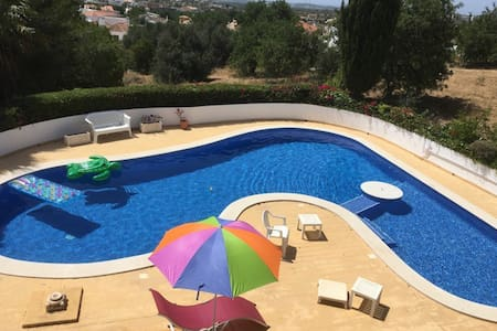 Spacious Studio Apt, With Pool - Apartment