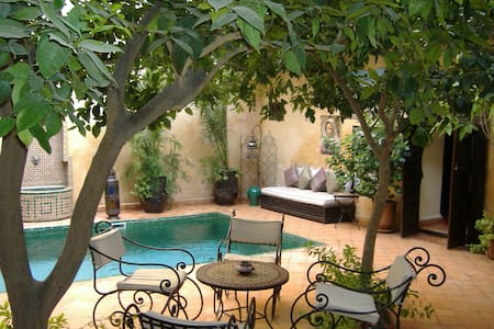 room in beautiful riad with pool - Bed & Breakfast
