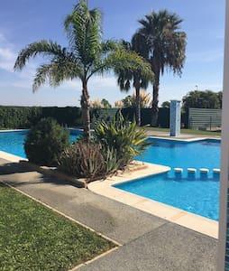 Deluxe Villa with Terrace & Pool - Villa