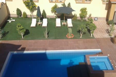 Delightful Roof Apartment, Cambridge House - Hurghada