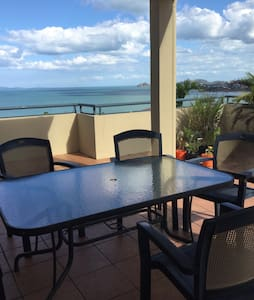 Perfect views from the sea villa - Yeppoon - Bed & Breakfast