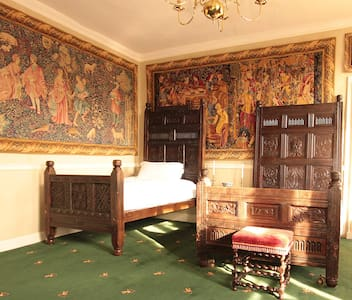 APPLEBY CASTLE - TUFTON BEDROOM - Appleby-in-Westmorland