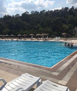 Havuzlu 4 katlı Villa - Beldibi Belediyesi