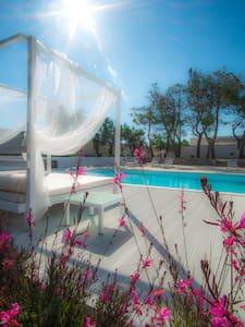le quattro villette con piscina nel Salento - Ugento