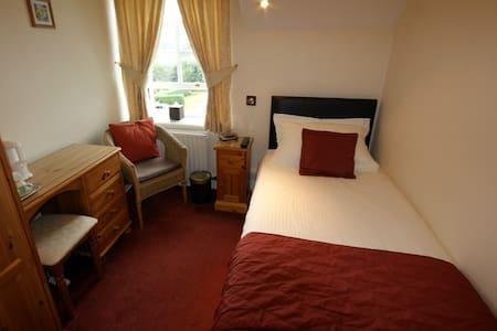 Crewe Comfort & Convenience - House