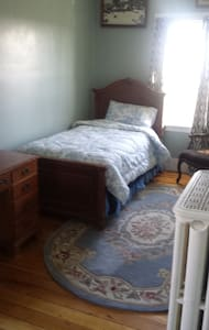 Private Room in large historical house-Farmington - Farmington
