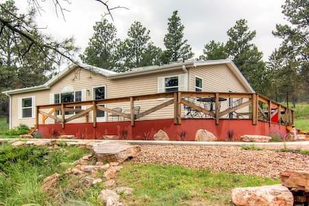 Quiet 3BR Black Hills Home - Bella - Casa