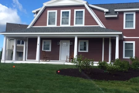 BRAND NEW HOME 4 Bedroom 4.5 Bath, Discounted Golf - Dom