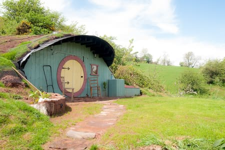 Hobbit House, Glamping underground! - Other