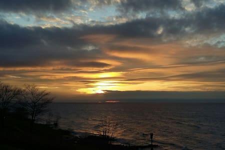 Sunsetcove 2- Lake Erie beach house - Geneve - Hus