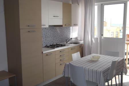 Sea-view studio Residence del Porto  Boavista - Huoneisto