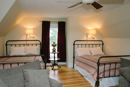 La Ruche - Dance Hall - Bed & Breakfast