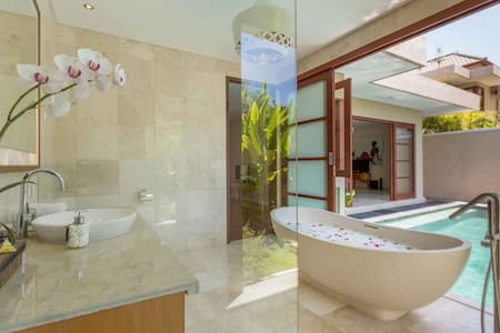 Dreamy Romantic 1BR Villa / Legian - Seminyak - Villa