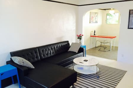 Charming, modern, chic private room - Los Angeles - Apartamento