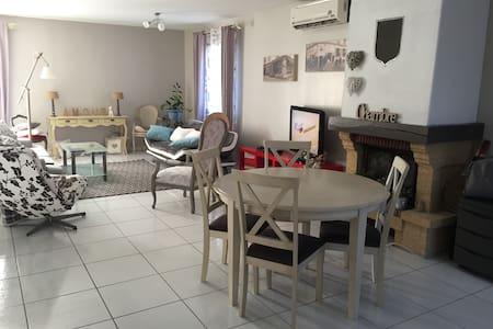 Une villa - Prades-le-Lez - Haus