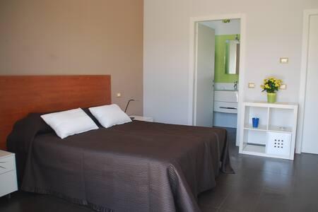 Villa Giadel MonolocaleINDIPENDENTE - Bed & Breakfast