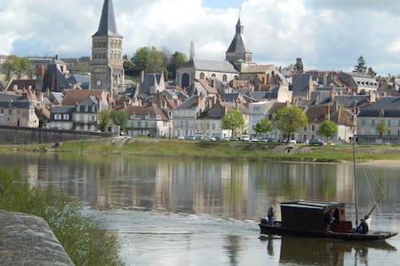 Maison dans Cité Médiévale et Ville du livre - Hus