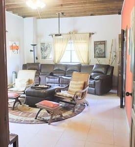 Beach Front Property - La Ceiba - House
