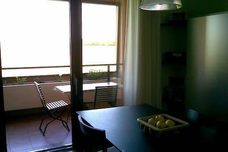 Confortevole e spazioso bilocale - Lägenhet