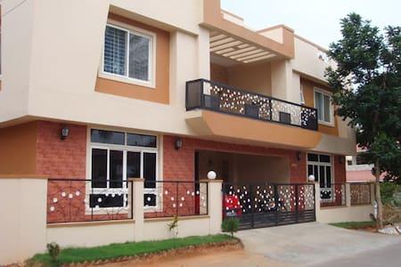 Coimbatore, Near PSG Tech - Coimbatore - Bungalow