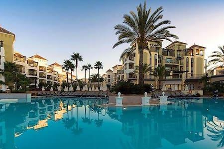 Luxury 3 bed Apartment on the beach - Estepona - Villa