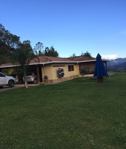 Country house in Llanogrande - Rionegro - Casa