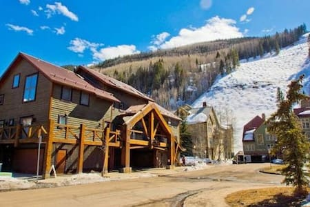 Telluride True skiin/out Townhome 2br/2ba WowViews - Telluride - Townhouse