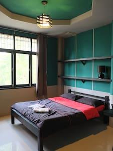 Bayan / Green - Phe - Bed & Breakfast