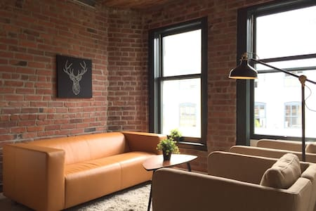 Charming Loft in Fantastic Gastown - Apartment
