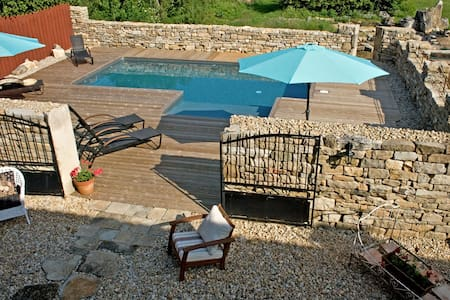 Charming Country Cottage/Pool/St.Antonin 10 mins - Penne - Villa