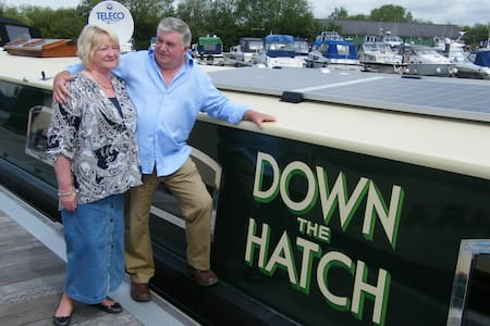 'Down the Hatch' - River Thames Hotel Boat - Vaixell